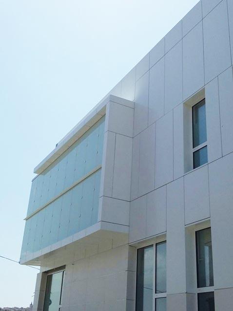 fachada ventilada de panel composite en toledo